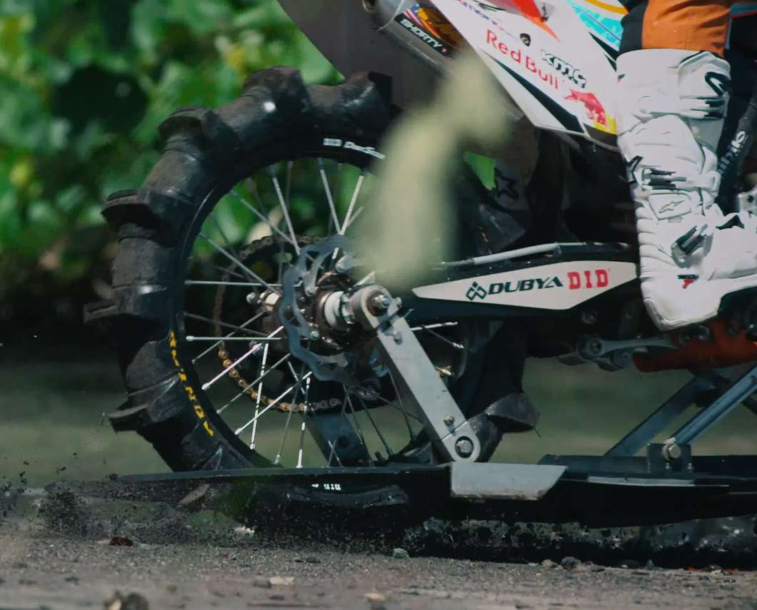 dirt-bike-surf-2