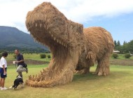 Japanese Artist Creates Giant Dinosaur Sculptures Out of Rice Straw