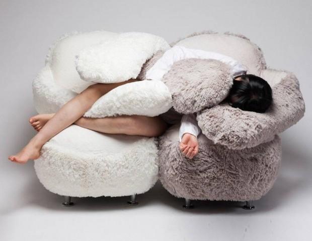 free-hug-sofa-2